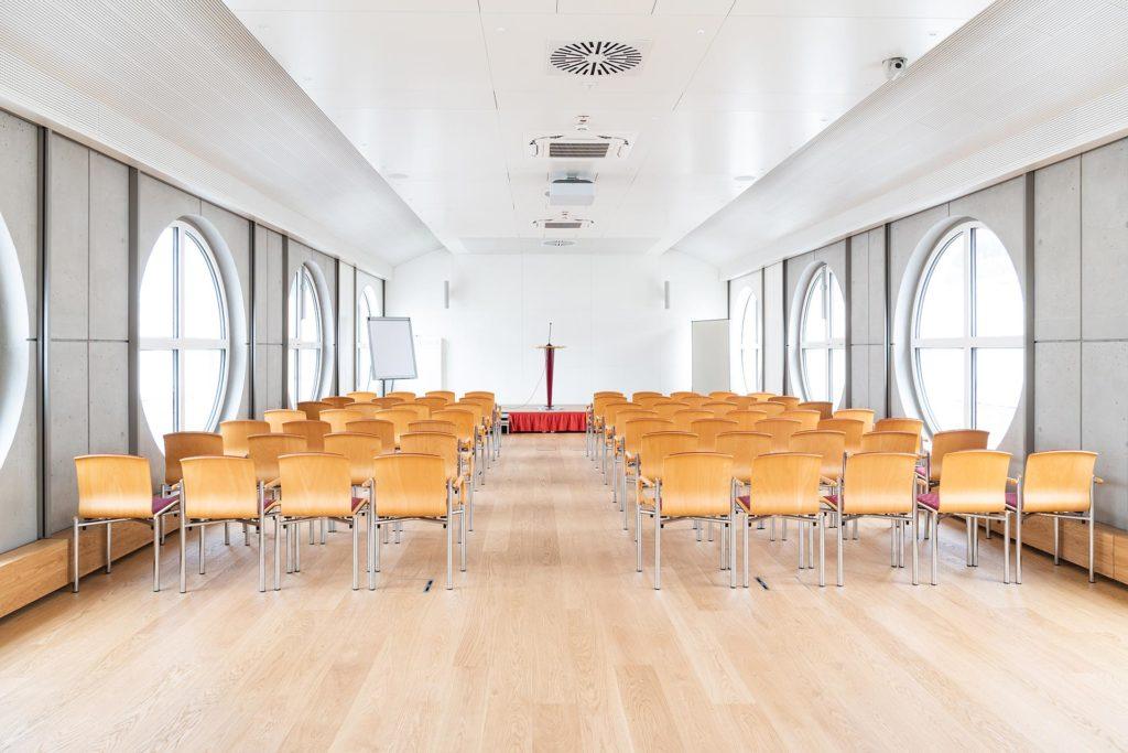 Seminarraum in St. Virgil, Projektsteuerung von Blaupause Immobilien