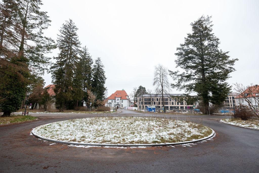 6_Blaupause_10N_Haar_Jan2021_Neubau_Umfeld_Baeume
